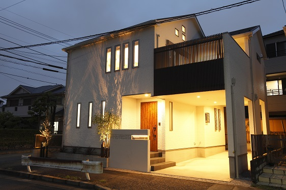表現豊かな家の画像